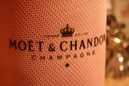 When is a Champagne Gift Basket an Appropriate Present?